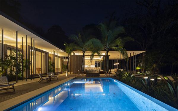 modern-beach-swimming-pool