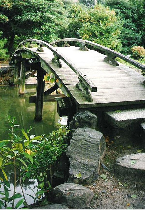natural-japanese-garden-bridge-ideas