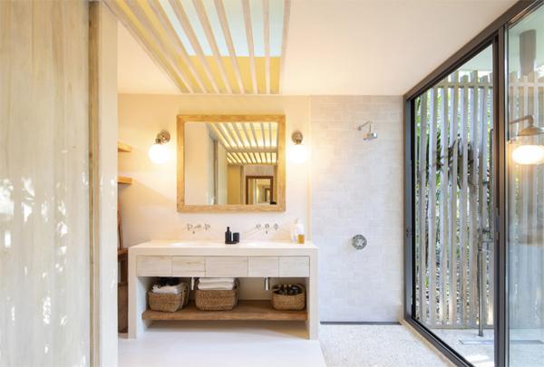 open-beach-bathroom-design