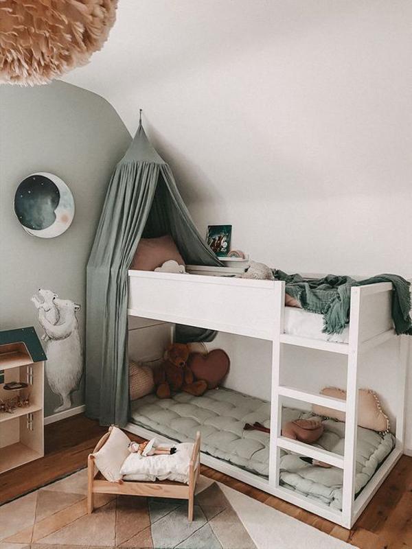 pretty-ikea-kura-beds-with-canopy
