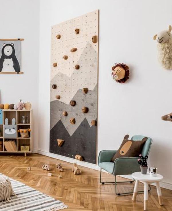 scandinavian-kid-room-with-wood-climbing-wall