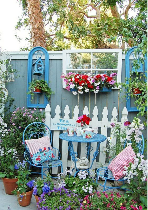 shabby-chic-and-colorful-backyard-decorating-ideas