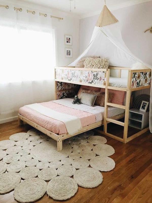shared-kid-room-with-diy-kura-beds
