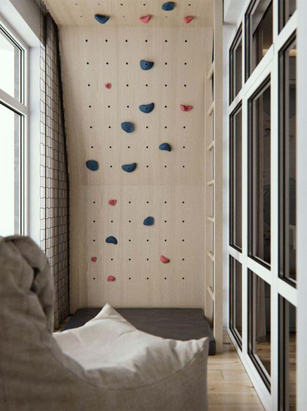 small-kid-room-with-climbing-walls