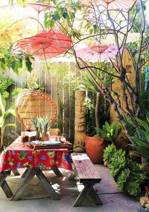tropical-backyard-colors-with-dining-areas
