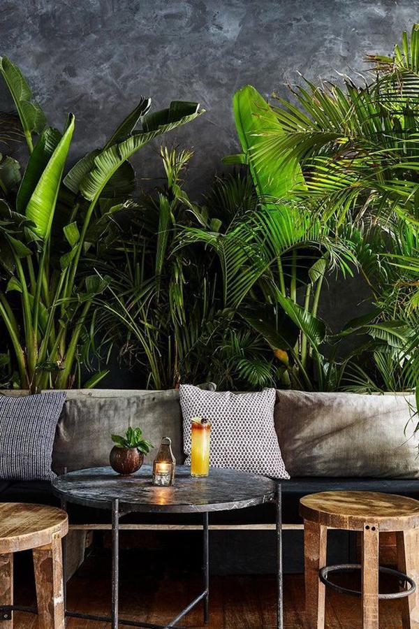 tropical-jungle-living-room-design