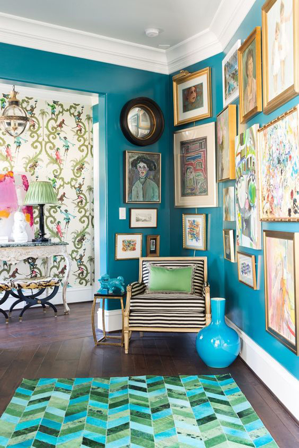 turquoise-interior-design-with-photo-art-wall