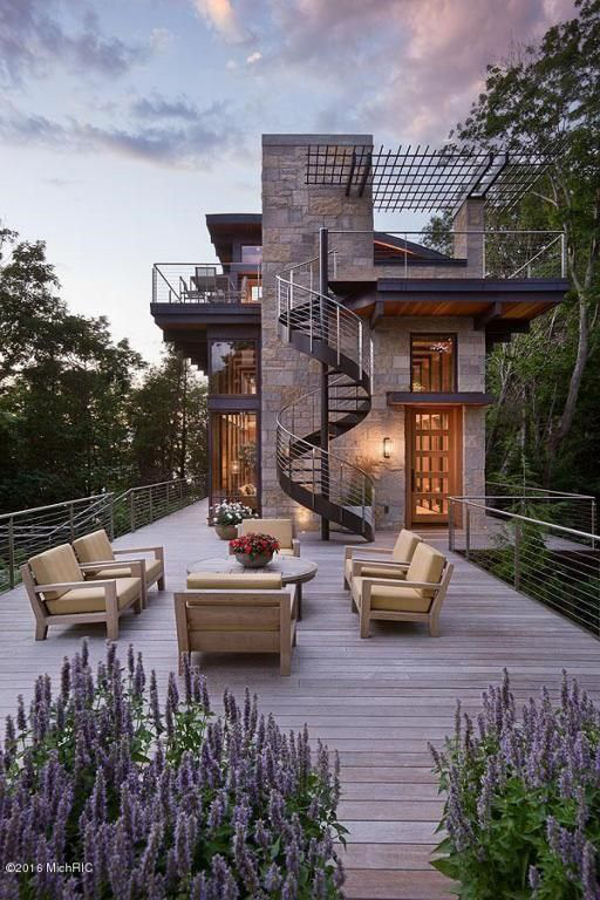 beautiful-outdoor-living-space-with-spiral-staircase-design
