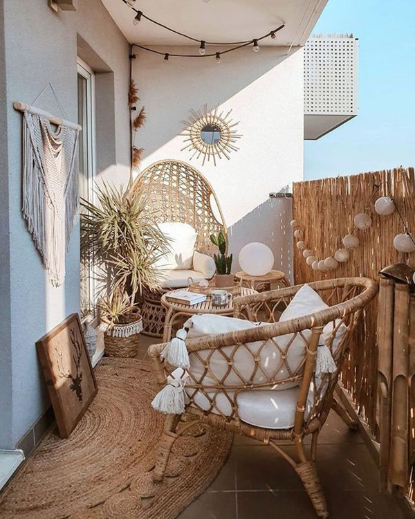 bohemian-chic-balcony-with-rattan-furniture