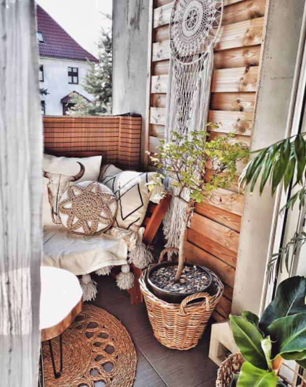 bohemian-small-balcony-design