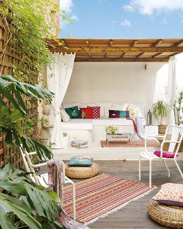 boho-chic-patio-design-with-rugs