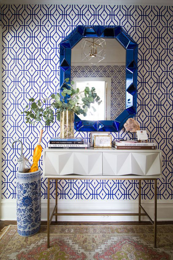 classic-bathroom-with-blue-accent-wall