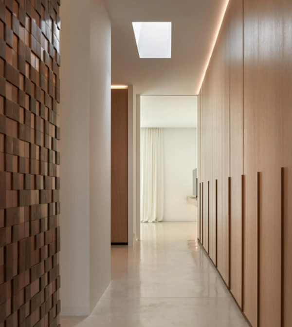 contempory-hallway-design-with-texture-wall