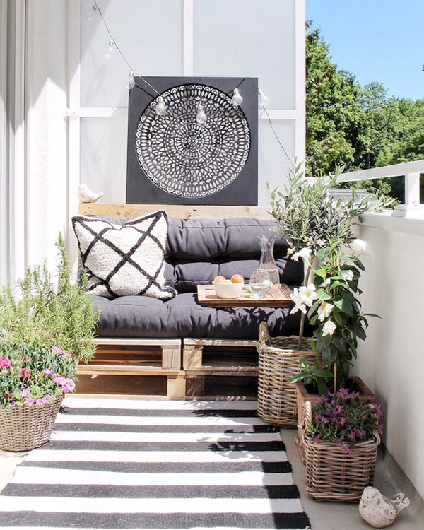 cool-boho-chic-balcony-with-striped-rug