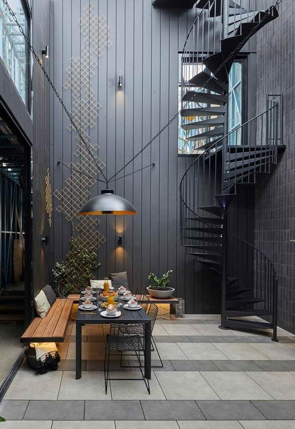 cool-courtyard-spiral-staircase-design