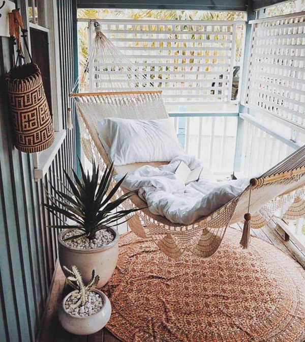 cozy-boho-balcony-ideas-with-hammocks