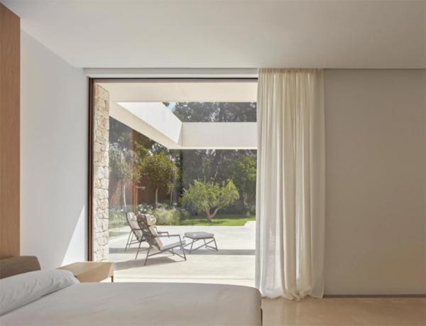 cozy-luxury-bedroom-with-open-concept