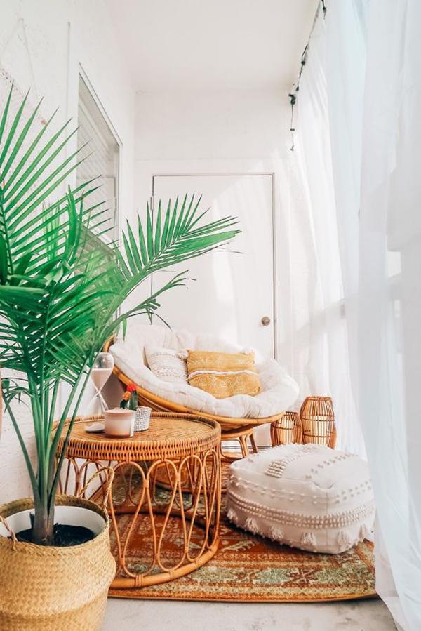 cozy-tiny-balcony-for-reading-nook