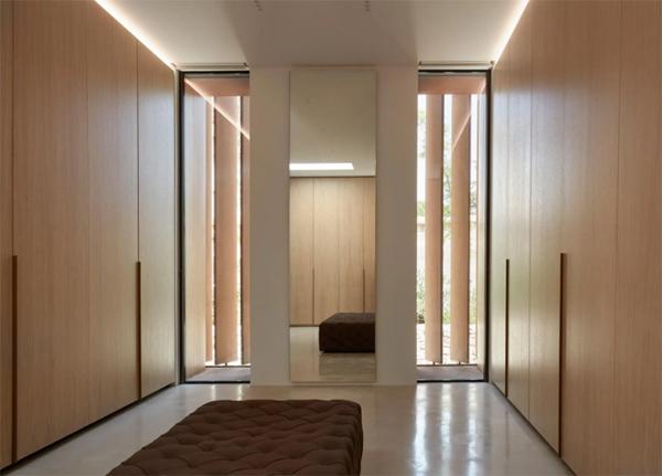 elegant-and-contempory-closet-room