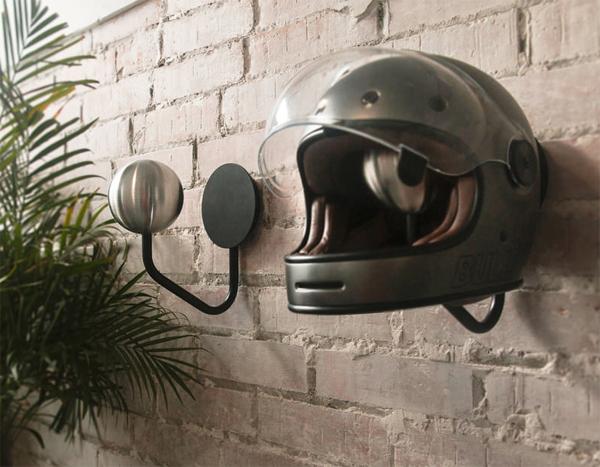 helmet-wall-hanger-storage