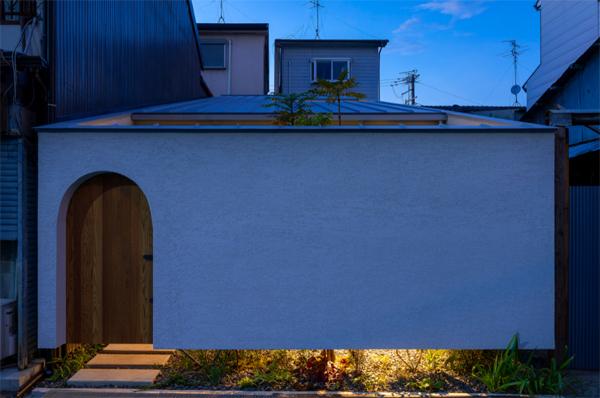 house-in-ohasu-street-view-with-lights