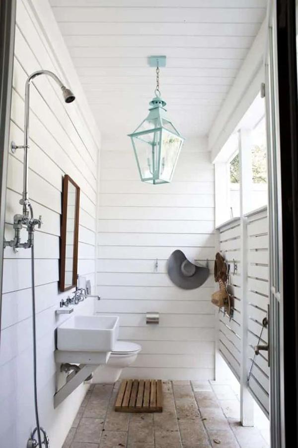 indoor-outdoor-shower-bathroom-for-summer