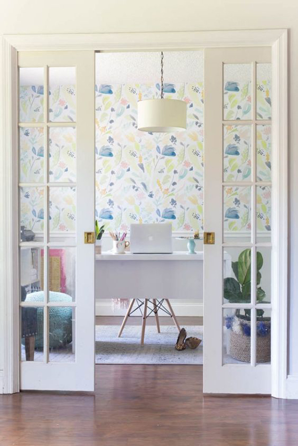 light-and-bright-home-office-wallpaper-ideas