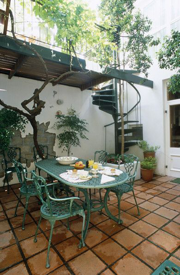 mediterranean-patio-with-spiral-staircase