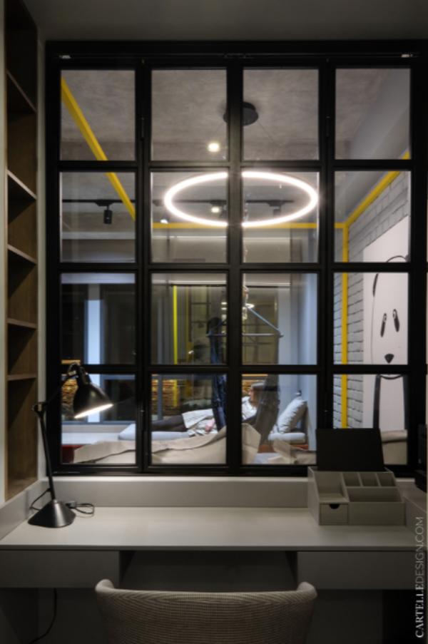 minimalist-home-office-with-window-glass-to-interior