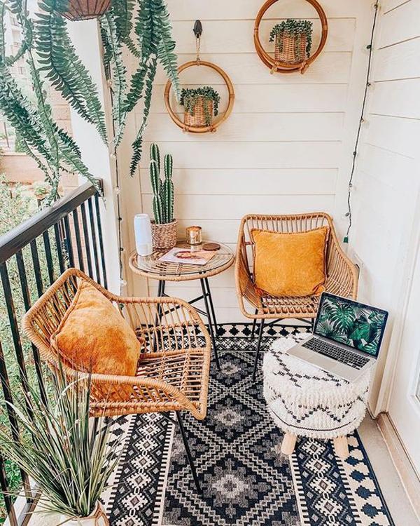 mix-and-match-boho-chic-balcony-furniture