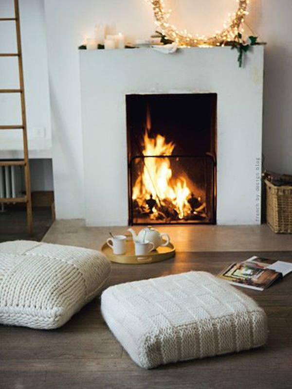 modern-romantic-fireplace-with-beanbags