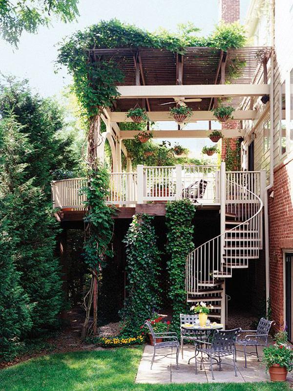 natural-outdoor-spiral-staircase-deck