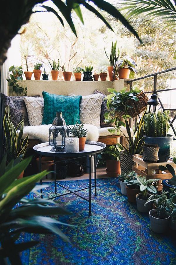 nature-boho-chic-balcony-decor