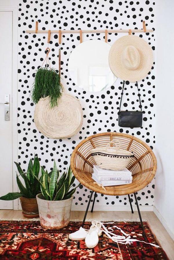 polka-dots-reading-accent-walls