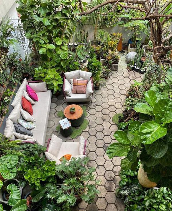 private-urban-jungle-patios