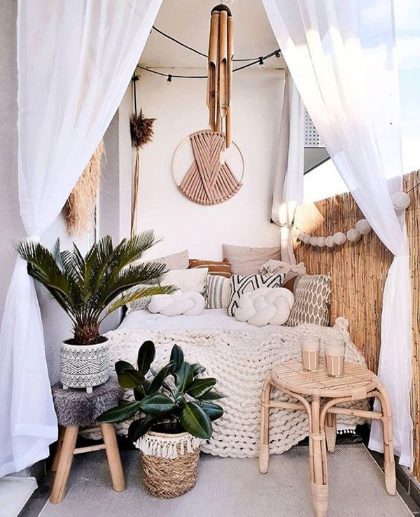 small-boho-balcony-bed-decor