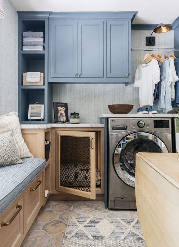 small-laundry-decor-with-dog-kennel