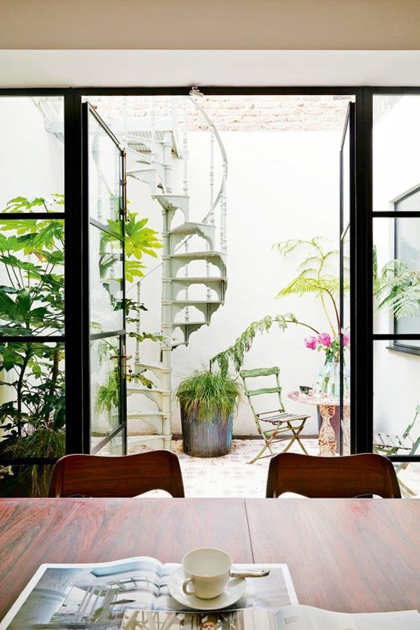 small-modern-garden-with-rustic-spiral-stairs