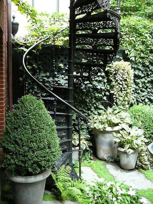 trendy-outdoor-spiral-staircase-garden