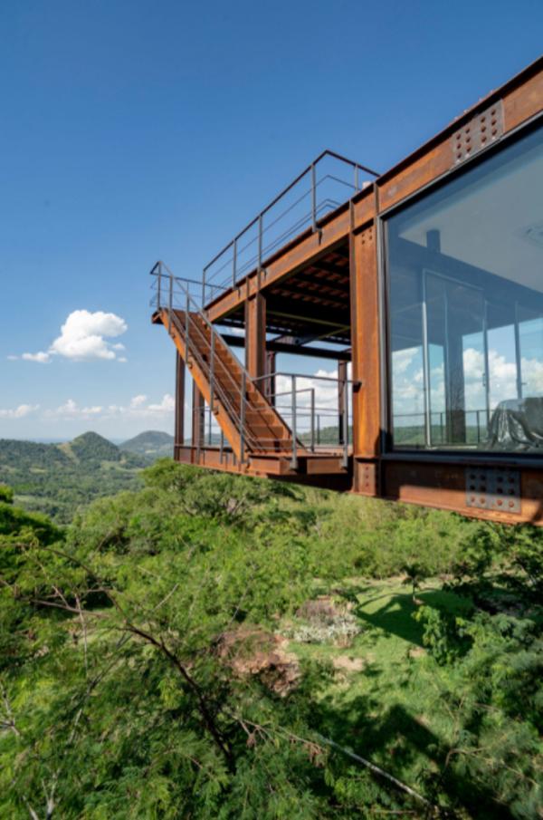 amazing-mountain-house-views