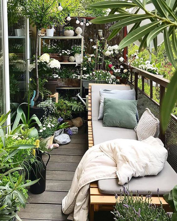 beautiful-balcony-flower-garden