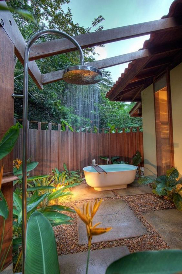 beautiful-outdoor-tub-and-shower-ideas-for-backayrd