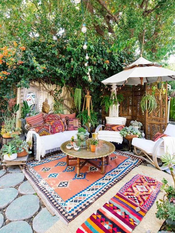 boho-chic-bohemian-garden-decor