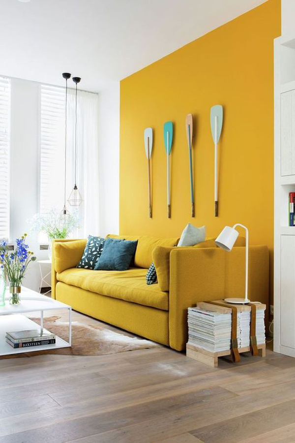coastal-living-room-with-yellow-accent-walls