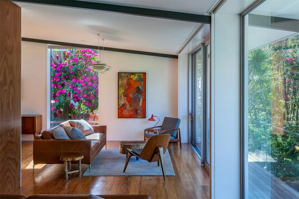 contempory-wood-living-room-design