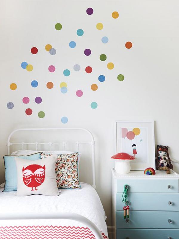 easy-diy-polka-dot-wall-sticker