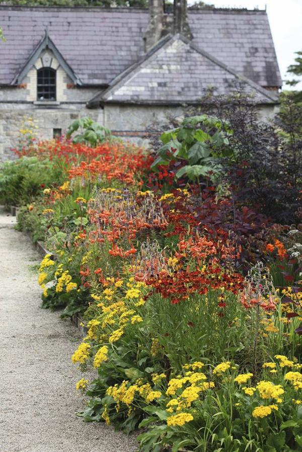 farmhouse-flower-garden-decor