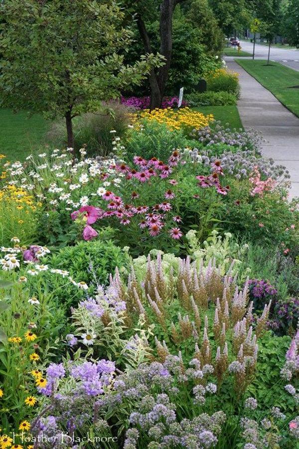 front-yard-flower-garden-decoration