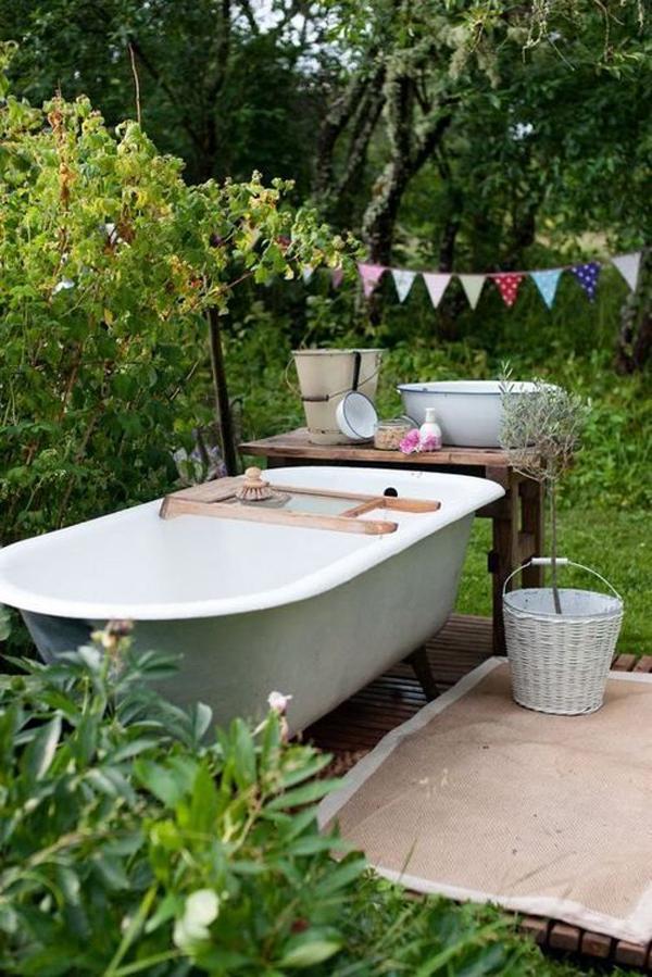 inspiring-outdoor-tubs-for-summer