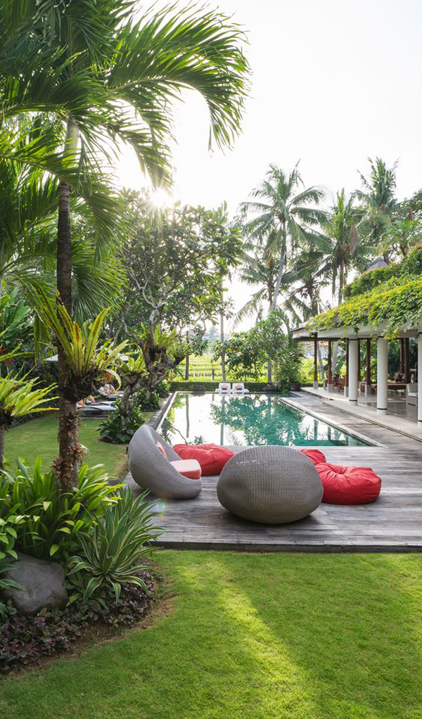 lush-tropical-pool-landscaping-ideas